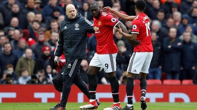 TIN HOT M.U 30/4: Chốt tương lai Fellaini. Mourinho đánh giá khách quan nhất về 2 mùa cầm quân
