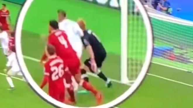 UEFA từ chối điều tra vụ Sergio Ramos chơi cùi chỏ với Loris Karius