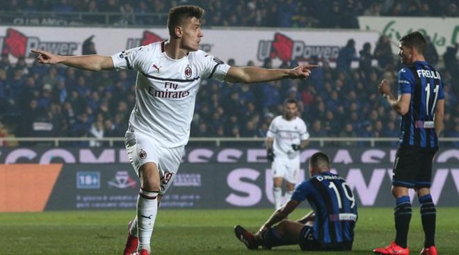 VIDEO Atalanta 1-3 Milan: Tân binh Piatek lại rực sáng, Milan trụ vững trong top 4 Serie A