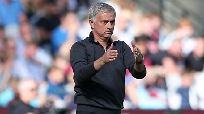 Real Madrid: Mourinho 'ủ mưu' thay Zidane dẫn dắt đội bóng Hoàng gia Tây Ban Nha