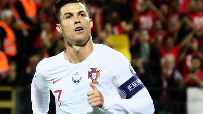 Liên tiếp ghi bàn, Ronaldo có hi vọng giành Quả bóng vàng