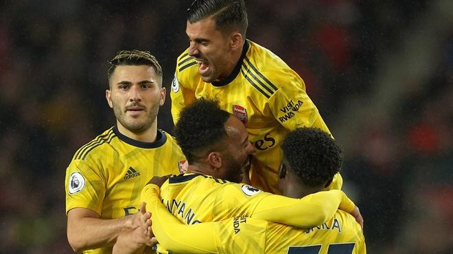 ket qua bong da hôm nay, kết quả bóng đá, kết quả Cúp C1, kết quả C1, truc tiep bong da hôm nay, trực tiếp bóng đá, cuộc đua top ngoại hạng anh, MU, Arsenal, Chelsea