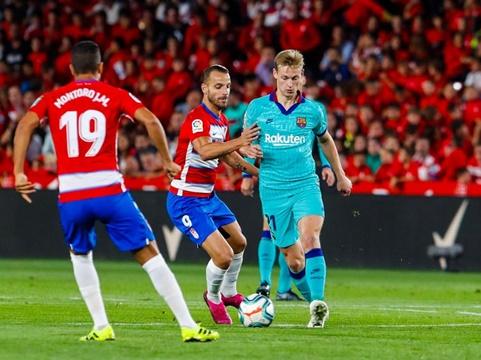 Barca thua tân binh Liga, văng ra ngoài top 6: Khi Messi cũng đành bất lực