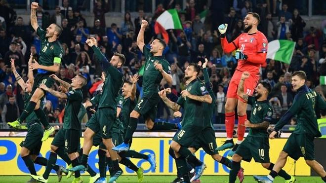 Italy giành vé sớm dự EURO: Trong giấc mơ phục hưng