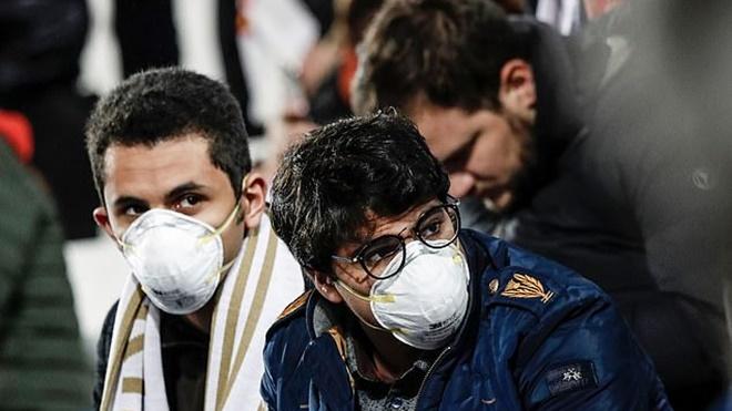 UEFA tạm hủy các trận cúp C1 và C2. Liga hoãn 2 tuần vì Covid-19