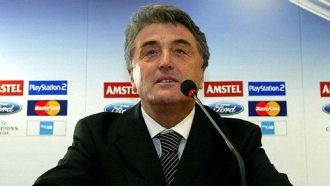 HLV duy nhất từng dẫn dắt cả Real, Barca, và Atletico qua đời ở tuổi 71