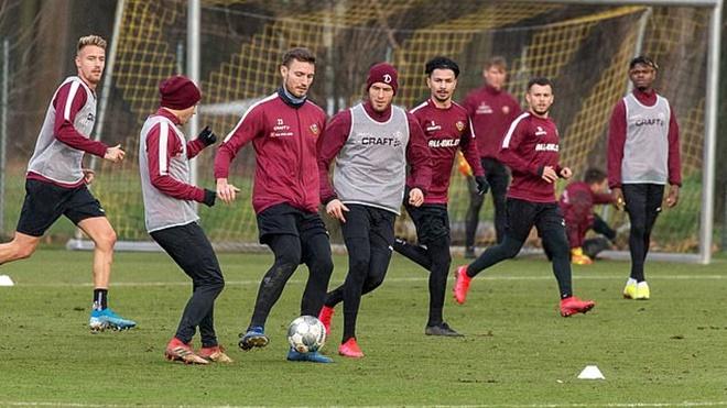 Bóng đá Đức lại thêm ca dương tính với Covid-19, Bundesliga liệu có thể trở lại?