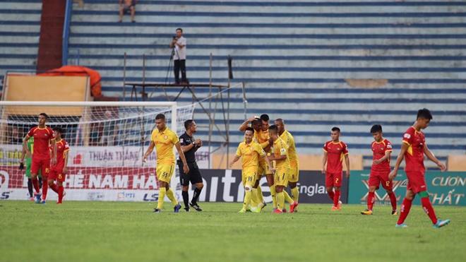 Ket qua bong da, Nam Định 3-0 SLNA, kết quả bóng đá Việt Nam, Bảng xếp hạng bóng đá Việt Nam, BXH V-League 2020 vòng 7, lịch thi đấu V-League vòng 8, ket qua V-League