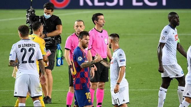 Messi, Barcelona, Cakir, Cúp C1, Messi từ chối bắt tay trọng tài, bóng đá, tin bóng đá, bong da hom nay, tin tuc bong da, tin tuc bong da hom nay