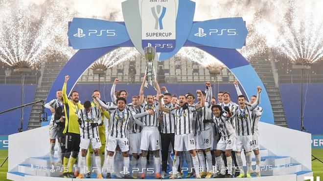 Juventus 2-0 Napoli: Ronaldo đi vào lịch sử. Juventus đoạt siêu cúp Italia