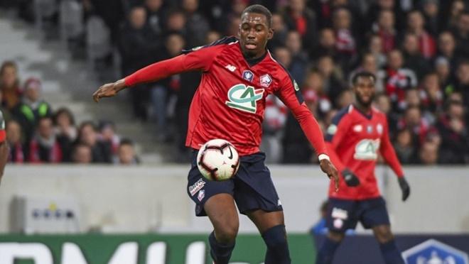 Chuyển nhượng 10/1: MU mua trung vệ 21 tuổi, nhận tin vui về Lingard. Oezil rời Arsenal