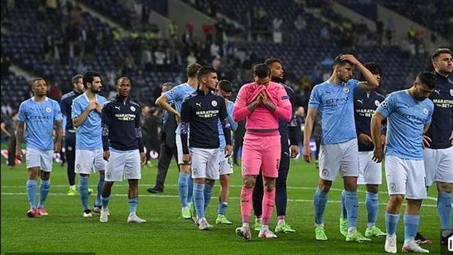 Man City bị Evra chế nhạo không thương tiếc sau thất bại ở Chung kết C1