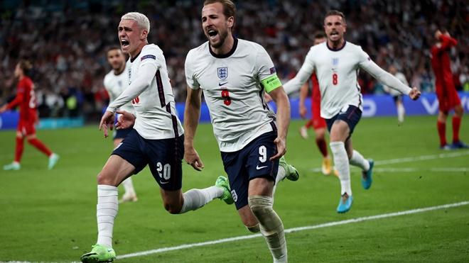 Anh vào chung kết EURO nhờ quả 11m gây tranh cãi, CĐV và giới chuyên môn nói gì?