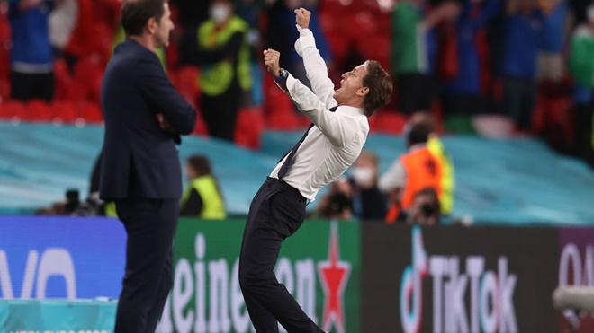 HLV Mancini thừa nhận bước ngoặt thay người, HLV Áo tiếc vì lẽ ra có thể chiến thắng Ý