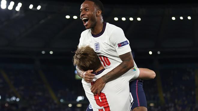 Anh vs Ý: Raheem Sterling gánh cả hi vọng của người Anh