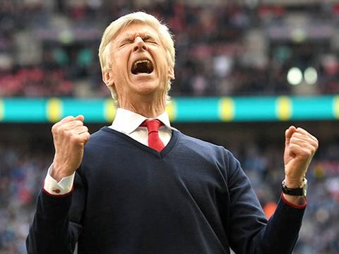Wenger ăn mừng chiến thắng của Arsenal