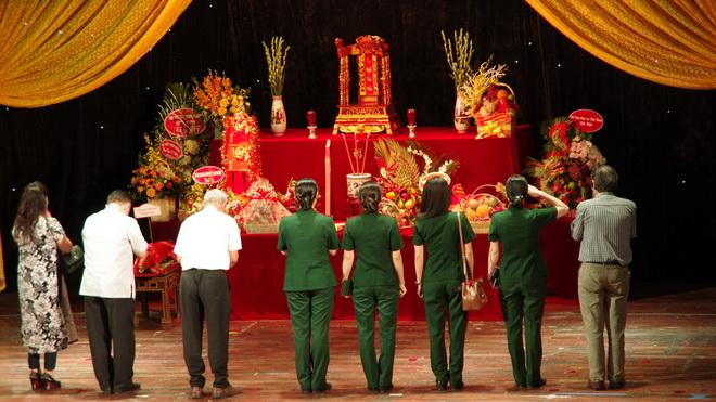 Ngày Sân khấu Việt Nam: Nghệ sĩ cả nước hướng về 'tổ nghiệp'