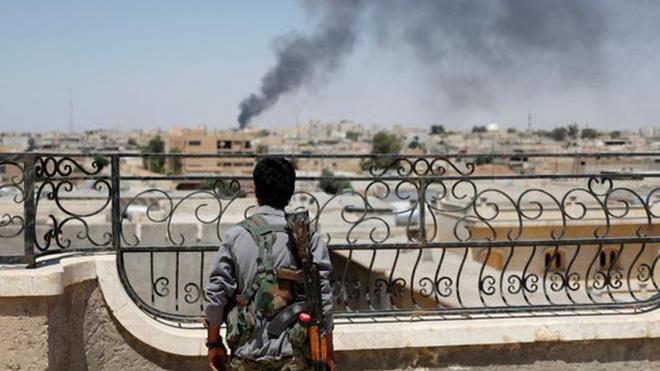 Quân đội Syria giành lại nhiều mỏ dầu từ tay khủng bố IS