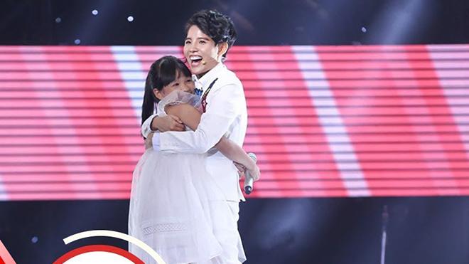 Ngọc Ánh, học trò Vũ Cát Tường, trở thành Quán quân Giọng hát Việt nhí 2017