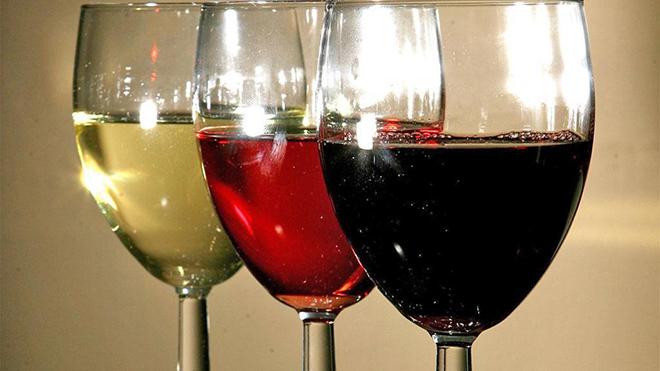 Quốc gia đầu tiên áp 'giá sàn' cho đồ uống có cồn