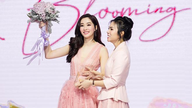 Dàn sao Việt xuất hiện trên thảm đỏ sự kiện âm nhạc - thời trang 'Blooming Moments'