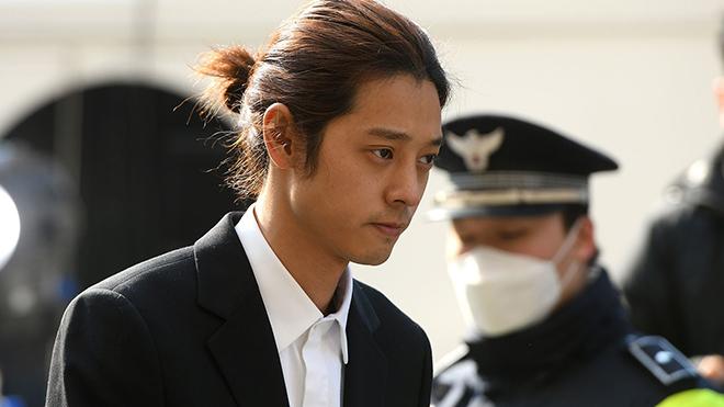 CẬP NHẬT vụ bê bối chấn động Kpop: Jung Joon Young có thể phải chịu án 7 năm rưỡi 'bóc lịch'?
