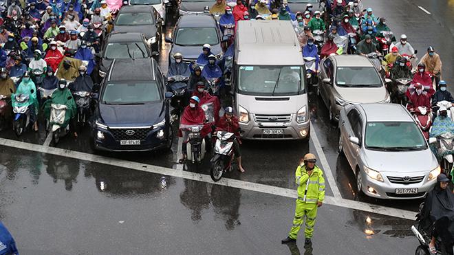 Thời tiết hôm nay: Bắc Bộ giảm mưa, Nam Bộ đề phòng ngập úng