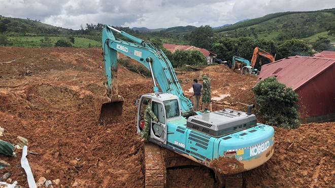 Sạt lở đất ở Hướng Hóa - Quảng Trị: Bắt đầu đưa các thi thể nạn nhân ra ngoài