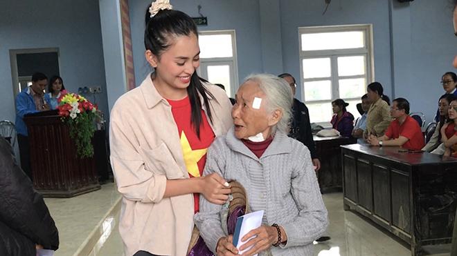 Hoa hậu Tiểu Vy, Lương Thùy Linh và thí sinh HHVN đổi avatar kêu gọi ủng hộ miền Trung