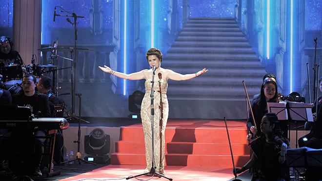 Xúc động đêm nhạc 'Vy Live Concert' của nữ ca sĩ Hồng Vy