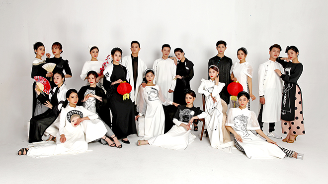 NTK Cao Minh Tiến ra mắt BST áo dài lấy cảm hứng từ Quan họ