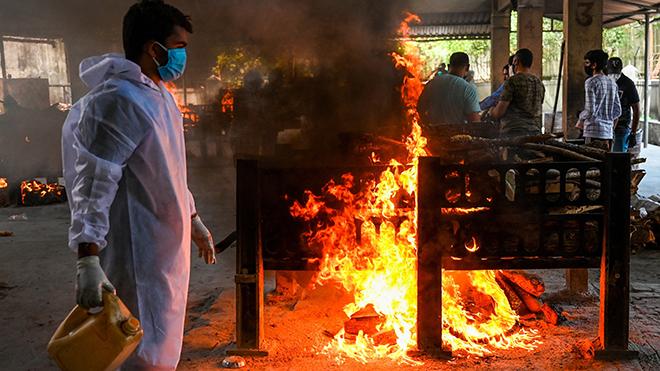 Ấn Độ: Những hình ảnh đầy ám ảnh về sự tàn khốc của đại dịch Covid-19