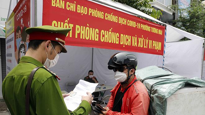 Hà Nội xử phạt vi phạm trên 8 tỷ đồng sau hơn một tuần thực hiện giãn cách xã hội
