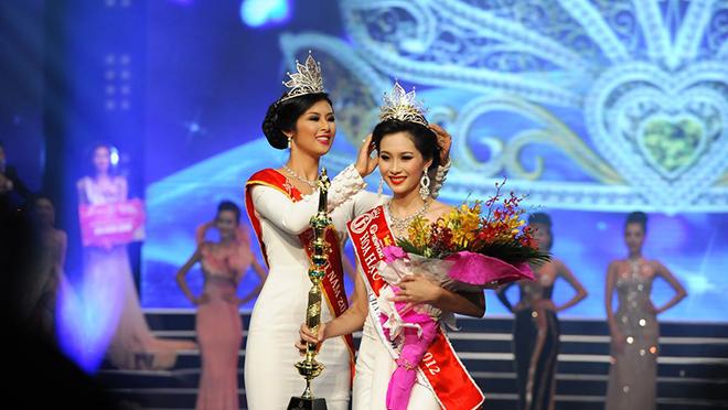 Tâm thư Hoa hậu Ngọc Hân gửi Đặng Thu Thảo ngay trước giờ hôn lễ
