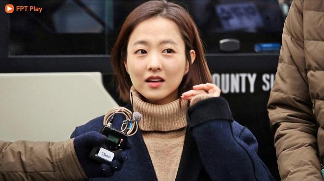 Running man tập 441: 'Em gái quốc dân' Park Bo Young 'đổ đứ đừ' chị đại Song Ji Hyo