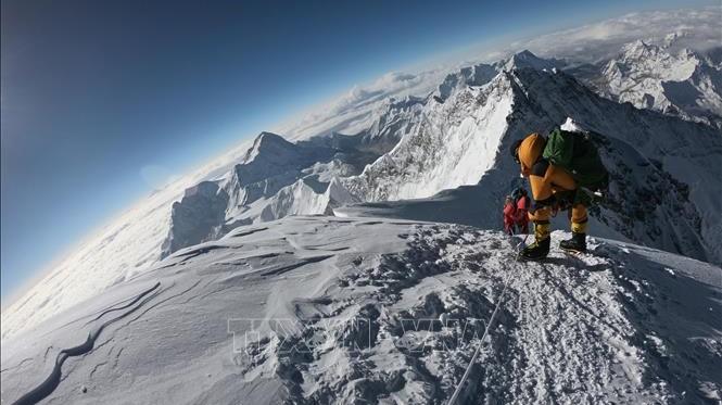 Ít nhất 7 người leo núi Everest đã thiệt mạng trong mùa leo núi 2019
