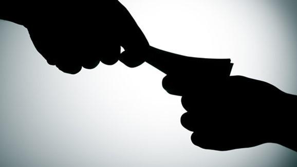 Khởi tố bổ sung tội 'Đưa hối lộ' và 'Nhận hối lộ' trong vụ án gian lận điểm thi tại Hòa Bình