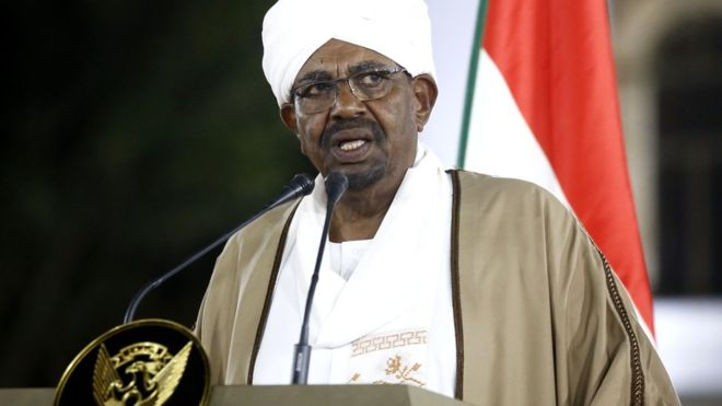 Sudan: Cựu Tổng thống al-Bashir khai báo từng nhận 90 triệu USD tiền mặt