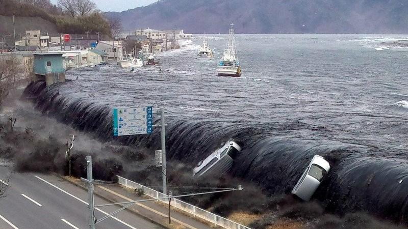 Miền Trung Indonesia liên tiếp hứng chịu động đất - Ban bố cảnh báo sóng thần