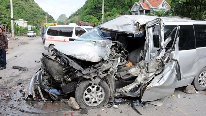 Khởi tố nữ tài xế chạy taxi tông xe máy làm 3 người chết, 4 người bị thương