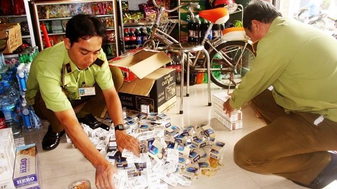 Khởi tố 5 đối tượng trong đường dây buôn bán thuốc lá ngoại số lượng đặc biệt lớn