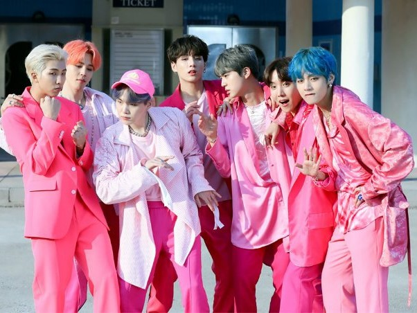 BTS, Boy with Luv, Sách về BTS, BTS album, Map of the Soul Persona, Bts, bts, bts nhận lời cảm ơn, bts và sách map of the soul persona, sách jung's map of the soul
