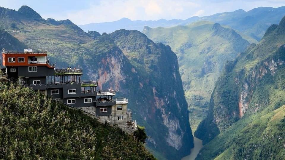 Đề nghị cải tạo tòa nhà ở Mã Pì Lèng thành điểm dừng chân an toàn, hài hòa với thiên nhiên
