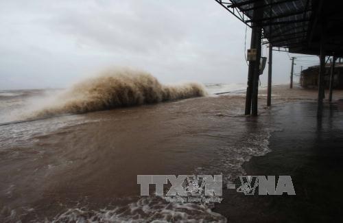 Bão số 6, Áp thấp nhiệt đới, áp thấp gần bờ, Tin bão mới nhất, Cập nhật bão, Tin bão đổ bộ, áp thấp tăng mạnh, bão vào miền trung, bão đổ bộ, áp thấp trên biển, thời tiết