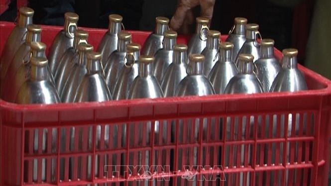 Tiêu hủy 900 lít bia hơi không rõ nguồn gốc