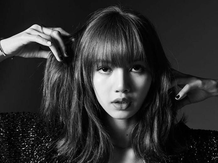 blackpink, lisa blackpink, vẻ đẹp của lisa, phong cách của lisa, lisa đăng ảnh đen trắng trên instagram, lisa và thương hiệu CELINE