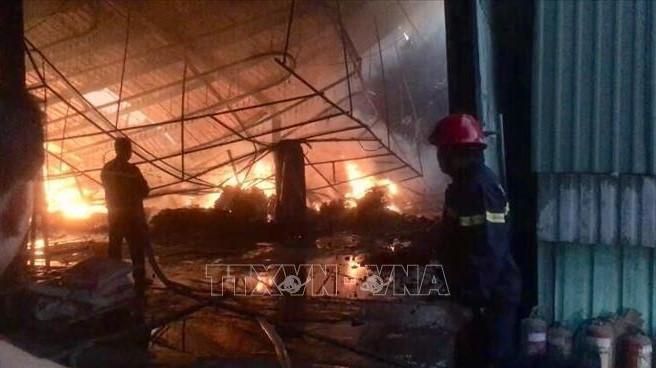 Bình Dương: Kịp thời khống chế vụ cháy lớn ở khu công nghiệp Nam Việt