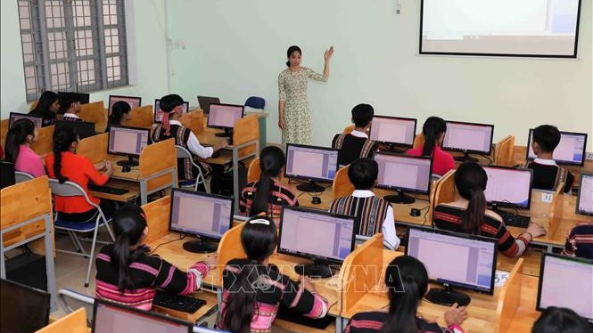Hà Nội: Học sinh, sinh viên nghỉ đến hết ngày 5/4, mở ứng dụng Smart City về tình hình dịch bệnh COVID-19