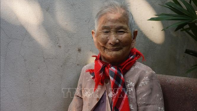 Xúc động Mẹ Việt Nam Anh hùng ủng hộ tiền phòng, chống dịch COVID-19 