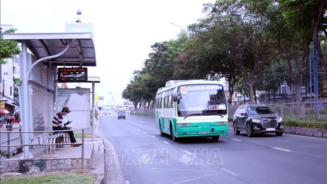Dịch COVID-19: TP. Hồ Chí Minh tạm ngưng, giảm chuyến nhiều loại hình vận tải đến hết ngày 15/4